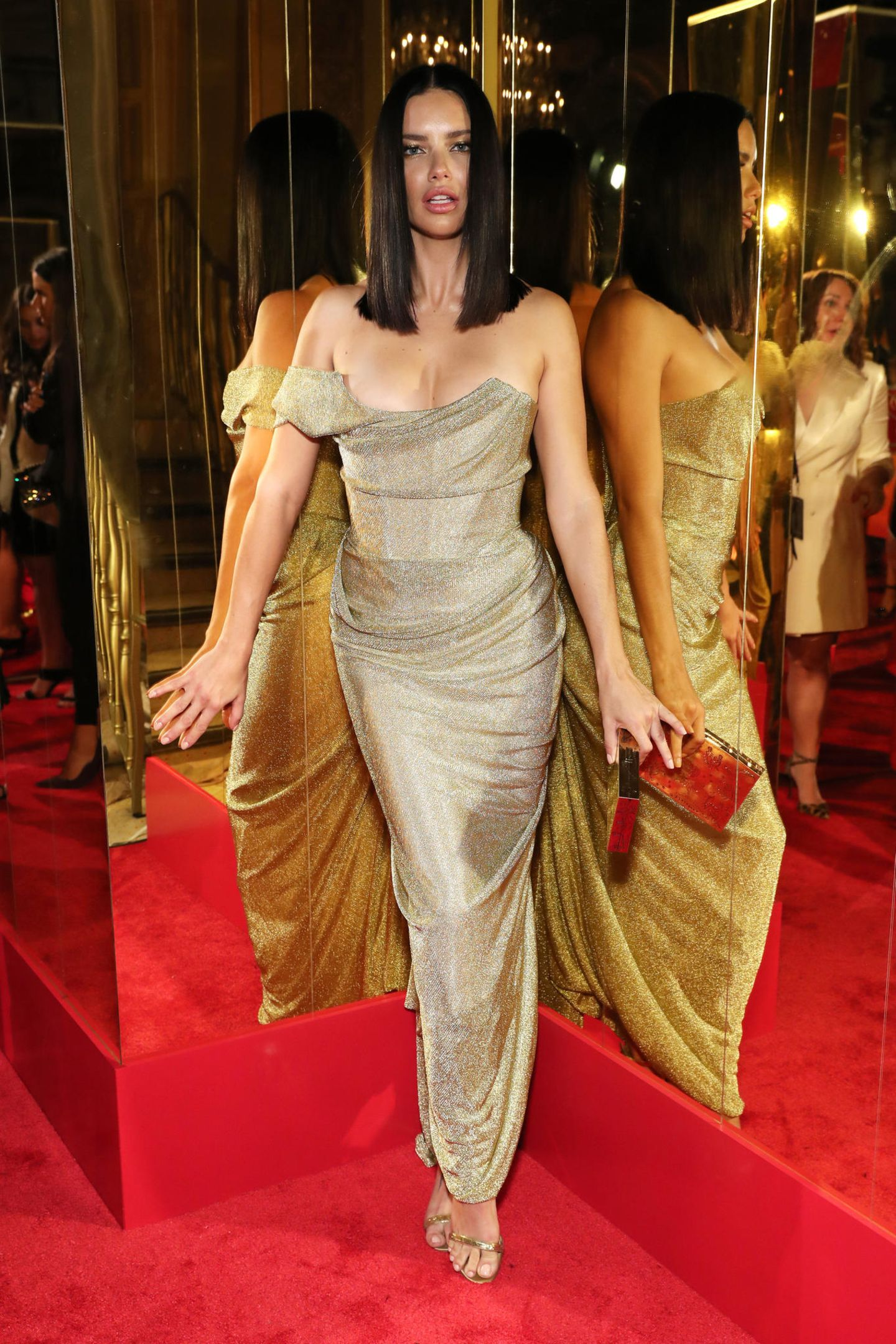 Verführung pur: Topmodel Adriana Lima