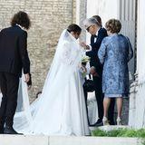 8. September 2018  Im traumhaften Brautkleid mit Spitze und langer Schleppe tritt Désireé mit ihrem Tom vor den Altar, und wir gratulieren auch bei der kirchlichen Zeremonie noch einmal aus vollstem Herzen.