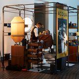 Zeit für Pflege muss sein! ImPop-Up-Store vonAcqua di Parma gibt es für alle Buddies Behandlungen mit einem italienischen Barbier.