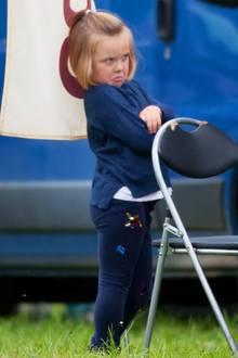 """8. September 2018  Welche Laus ist dir denn über die Leber gelaufen? Bei den """"Whately Manor International Horse Trials"""" zieht Mia Tindall eine Schnute und guckt mürrisch in die Gegend, während Zara Philipps auf dem Pferd sitzt."""