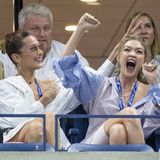 Große Freude beim US Open Tennisturnier in New York. Gigi Hadid ist völlig aus dem Häuschen und feuert die Tennisspielerin Serena Williams voller Leidenschaft an.