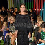Und auch Olivia Palermo und die schon sitzende Caro Daur lassen sich die Escada-Show nicht entgehen.