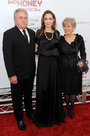 Angelina Jolie und ihre Schwiegereltern, Jane und William Pitt.