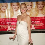 Kate Hudson  Kate Hudson hat aus ihrer ersten Ehe mit Rocksänger Chris Robinson einen Sohn. Der Junge kommt im Januar 2004 zur Welt. Kate ist damals 24 Jahre alt.