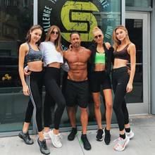 """Michelle Dantas, Lorena Rae, Chase Carter und Stefanie Giesinger - mit einem krassen HIIT-Workout bei """"Switch Playground"""" bereiten sich die Models aufVictoria's Secret vor. Das Konzept des New Yorker Studios gibt es jetzt auch in Hamburg!"""