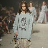 Kaia Gerber ist von fast keiner Fashion Week mehr wegzudenken. Auch auf dem Laufsteg von Coach präsentiert sie die neuen Trends.