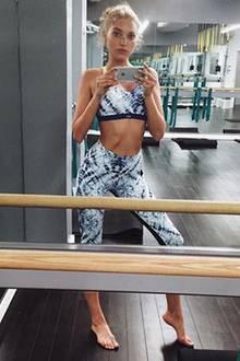 Zwei Workouts am Tag sind für Elsa Hosk absolute Pflicht. Morgens steht Boxtraining auf dem Plan, abends High-Speed-Cardio.