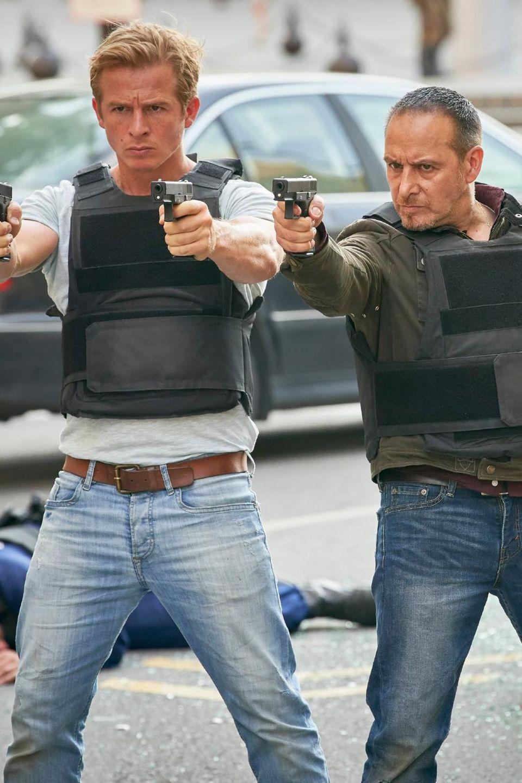 Daniel Roesner als Paul und Erdogan Atalay als Semir während derDreharbeitenin Budapest im April 2018