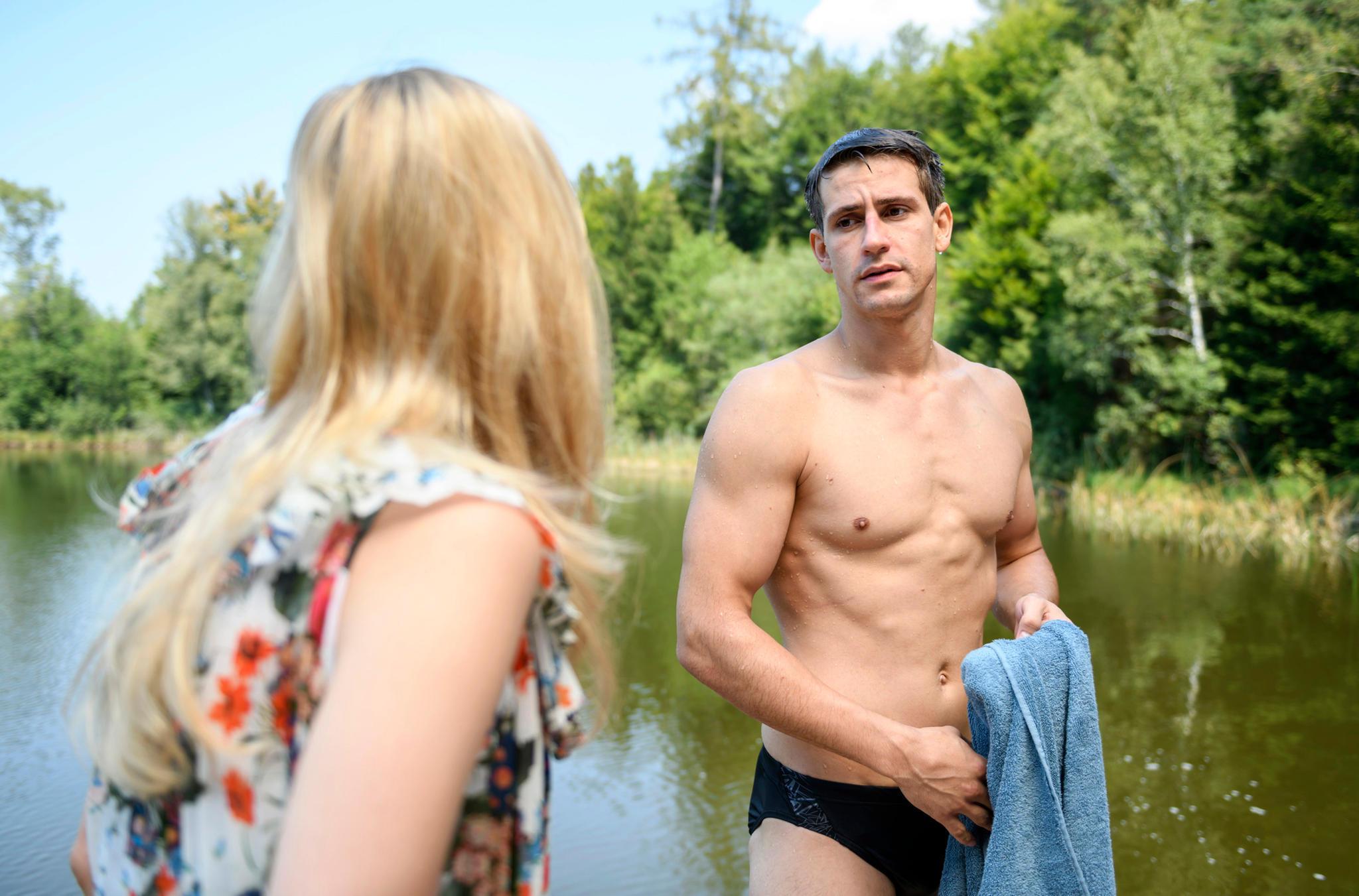 """Sandro Kirtzel zeigt bei """"Sturm der Liebe"""" seine Muskeln"""