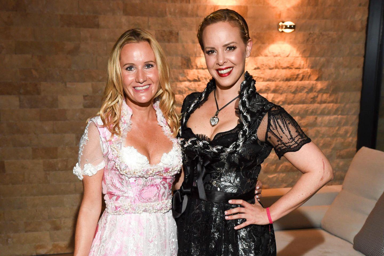 Dirndl-Designerin Ophelia Blaimer mit Isabel Edvardsson