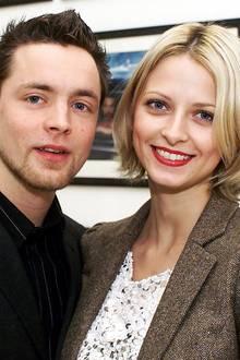 """Eva Padberg und Niklas Worgt  Freudige Babynews: Model Eva Padberg verkündet auf Instagram ihre Schwangerschaft. Doch wer ist eigentlich der Mann an ihrer Seite? Mit Musiker Niklas Worgt alias """"Dapayk"""" ist Eva Padberg nun schon über 20 Jahre ein Paar. Geheiratet haben sie am 29. Juli 2006."""