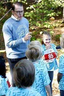 """16. September 2018  Prinz Daniel gibt an diesem sonnigen Tag den Startschuss für den Lauf beim """"Generation Pep Tag"""" im Hagapark in Stockholm ..."""