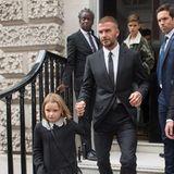 Und selbstverständlich ist auch ihre ganze Familie, hier Harper, David und Romeo, zur Show gekommen.