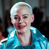 Rose McGowan ist einer der Star-Gäste der Fashion-Show von Pam Hogg.