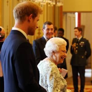 Prinz Harry + Queen Elizabeth