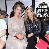 Schiaparelli-Fans Lady Kitty Spencer und Natalie Dormer genießen die Pariser Show 2016 gemeinsam in der ersten Reihe.