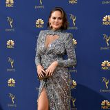 Sexy in Silber: Chrissy Teigen in Zuhair Murad