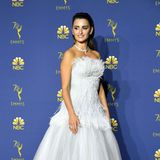 Federleicht: Penélope Cruz in Chanel Haute Couture