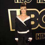 Im schwarz-weißen Seiden-Ensemble glänzt Mädchen Amick bei der HBO-Party.
