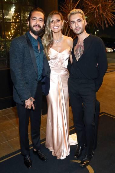 Heidi Klum besucht nicht nur die Amazon-Party, sondern zusammen mit ihremTom und Bruder Bill Kaulitz auch die von Google präsentierte Emmy-Party vonMichael Che und Colin Jost. Die Zwillinge hätten für einen so glamourösen Emmy-Abend ihre doch sehr legeren Outfits aber noch mal überdenken können.