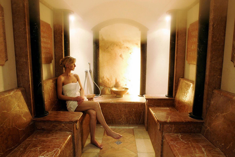 Wer zum ersten Mal in die Sauna geht, kann einiges falsch machen. Es ist daher von Bedeutung die Regeln in der Sauna zu beachten, damit das Saunieren den gewünschten positiven Effekt hat.