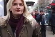 Körperkunst: Diese Frau läuft halbnackt durch die Stadt und niemand merkt es