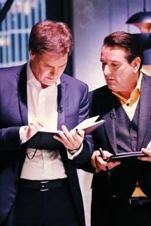 """Die Investoren Carsten Maschmeyerund Ralf Dümmel beraten, ob und wieviel sie in """"Smartsleep"""" investieren wollen."""