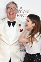 """Die Schauspielerinnen Blake Lively,Anna Kendrick und RegisseurPaul Feigbei der Filmpremiere ihres neuen Mystery-Comedy-Thrillers """"A Simple Favour"""" (""""Nur ein kleiner Gefallen"""") in London."""