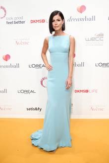 Dreamball 2018: Besonders glamourös kommt Lena Meyer-Landrut daher. Ihr Kleid stammt von Escada Vintage, ihr Schmuck von Cartier.