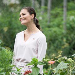 20. September 2018  Die schwedische Kronprinzessin scheint sich bei ihrem Rundgang duch den Dachgarten mitten in New York Cityseh wohl zu fühlen.