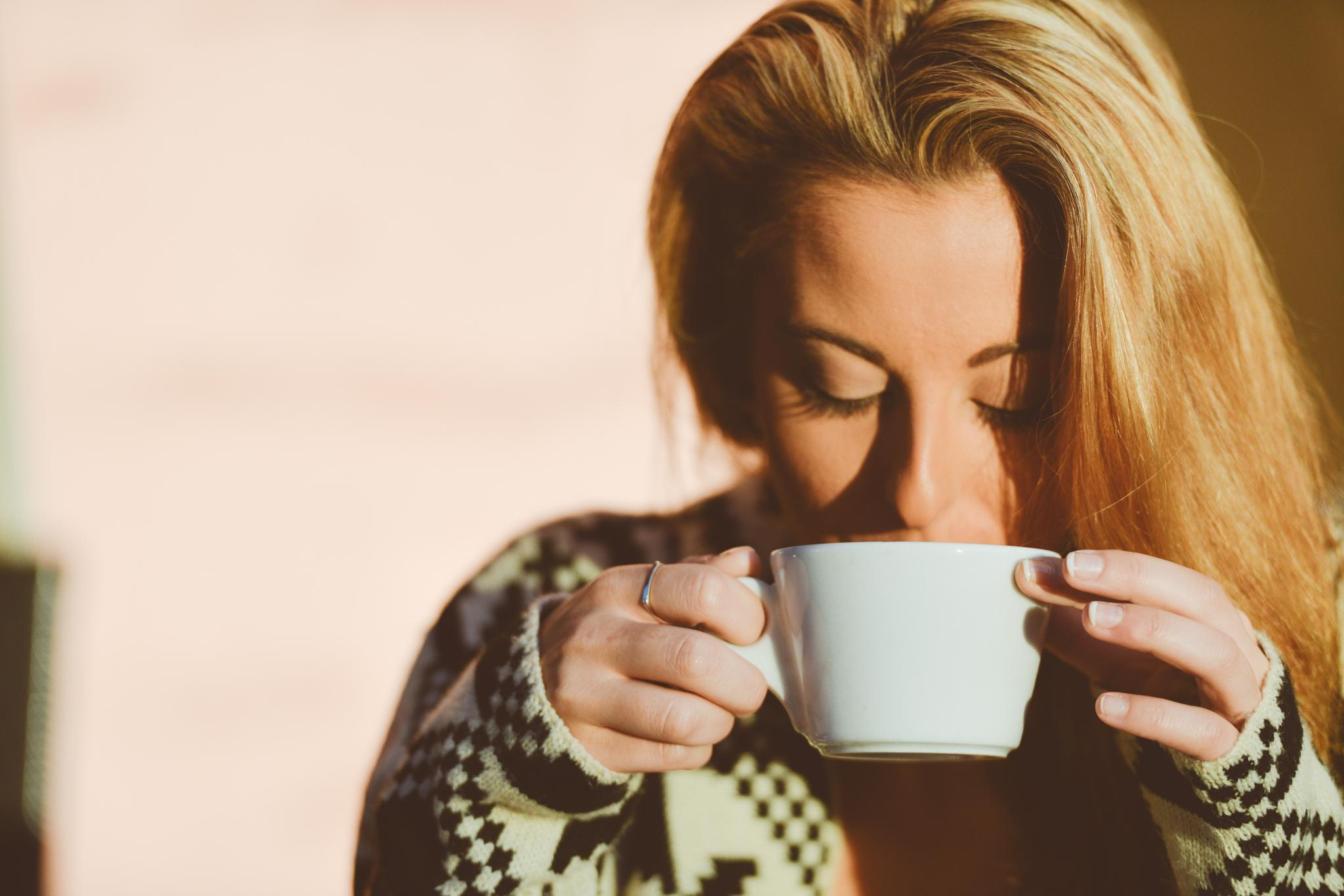 Was bei einer einfachen Erkältung hilft, kann bei Schüttelfrost ebenfalls helfen.