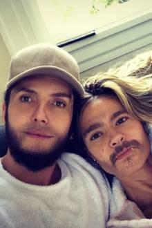 """23. September 2018  Nanu, was ist denn hier los? Eine bärtige Heidi Klum und ein vollbusiger Tom Kaulitz? Dieses skurrile Pärchenfoto posten Heidi und Tom auf Instagram. Erst bei genauerem Hinsehen erkennt man, dass hier mit """"Face Swap"""" nachgeholfen wurde."""
