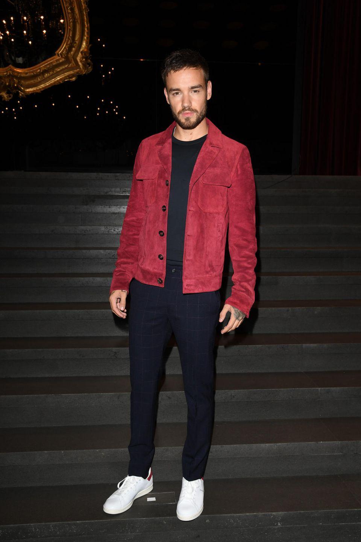 Liam Payne ist zu der spektakulären Show von Dolce & Gabbana gekommen. Hier wird er gleich einen Model-Mix erleben, wie man es sonst nirgends hat.