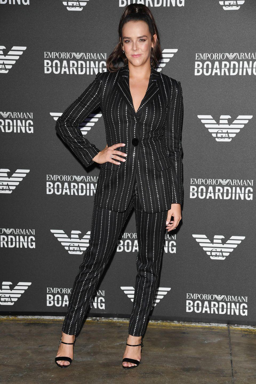 Pauline Ducruet ist aus Monaco nach Mailand gekommen, um bei Emporio Armani die Styles zu checken.