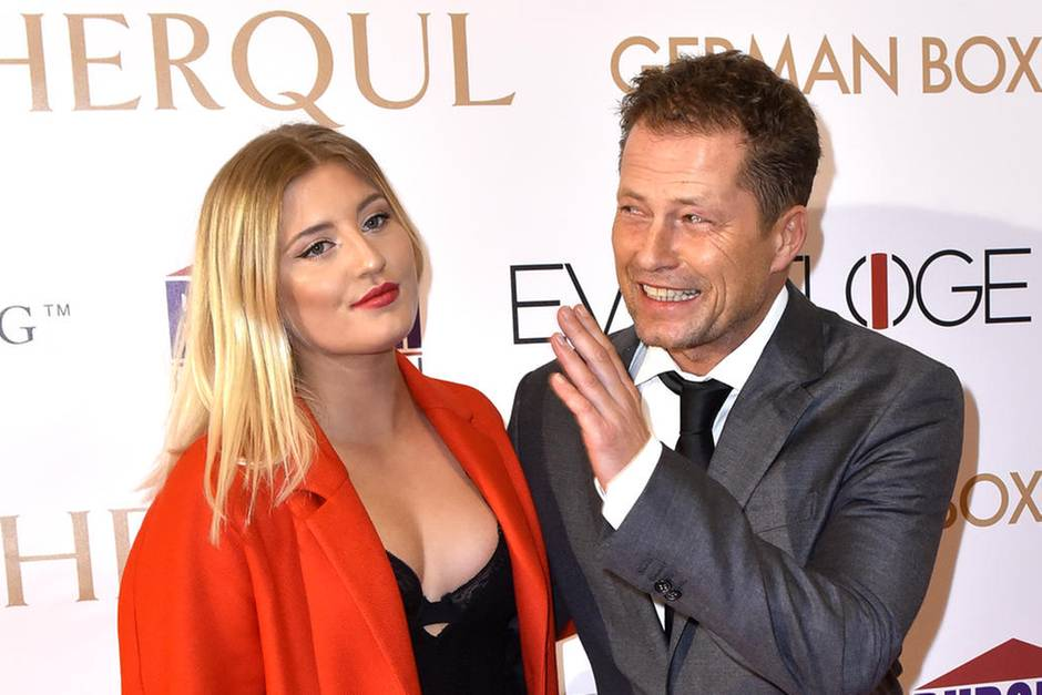 Til Schweiger: Jetzt küsst er auch Tochter Luna auf den ...