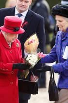 Queen Elizabeth und ihre treue Begleiterin Mary Morrison