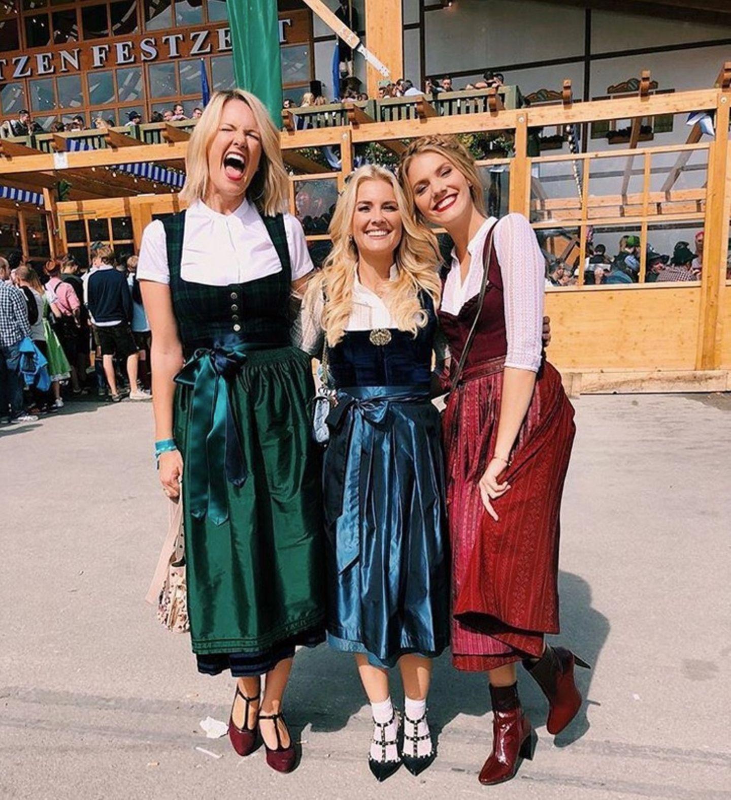 Die drei Gazien Monica Ivancan, Jennifer Knäble und Viviane Geppert freuen sich auf den Startschuss der diesjährigen Wiesn.