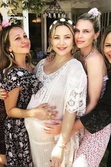Kate Hudson (Mitte) mit ihren Freundinnen