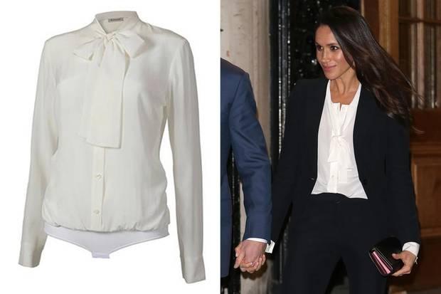 Was auf den ersten Blick aussieht, wie eine Bluse ist eigentlich ein Body und kann unter dem Blazer nicht verrutschen.