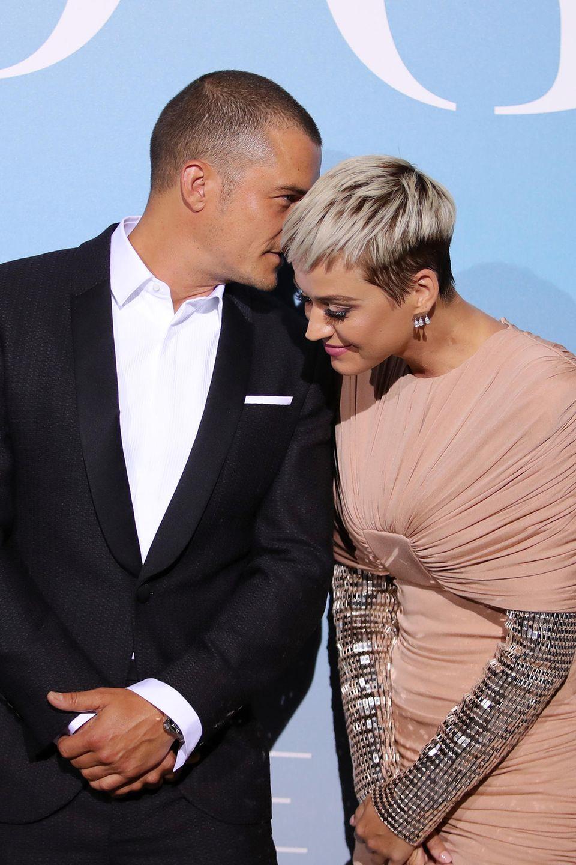 Viel spannender als Katys Outfit ist aber die Tatsache, dass Orlando Bloom und sie in Monaco ganz entspanntihr offizielles Red-Carpet-Debüt gegeben haben.