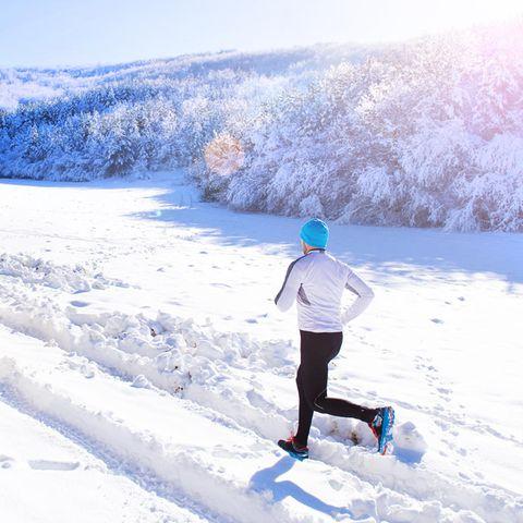 Im Winter zeigen sich die wahren Sportler, sagt man. Gala weißwie sie auch im Winter joggen gehen können und was sie dabei beachten sollten.
