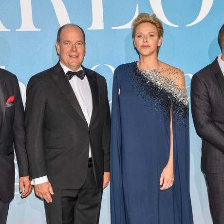 26. September 2018  Bei einer Gala in Monaco legen präsentieren sich Fürst Albert und FürstinCharlèneglamourös.