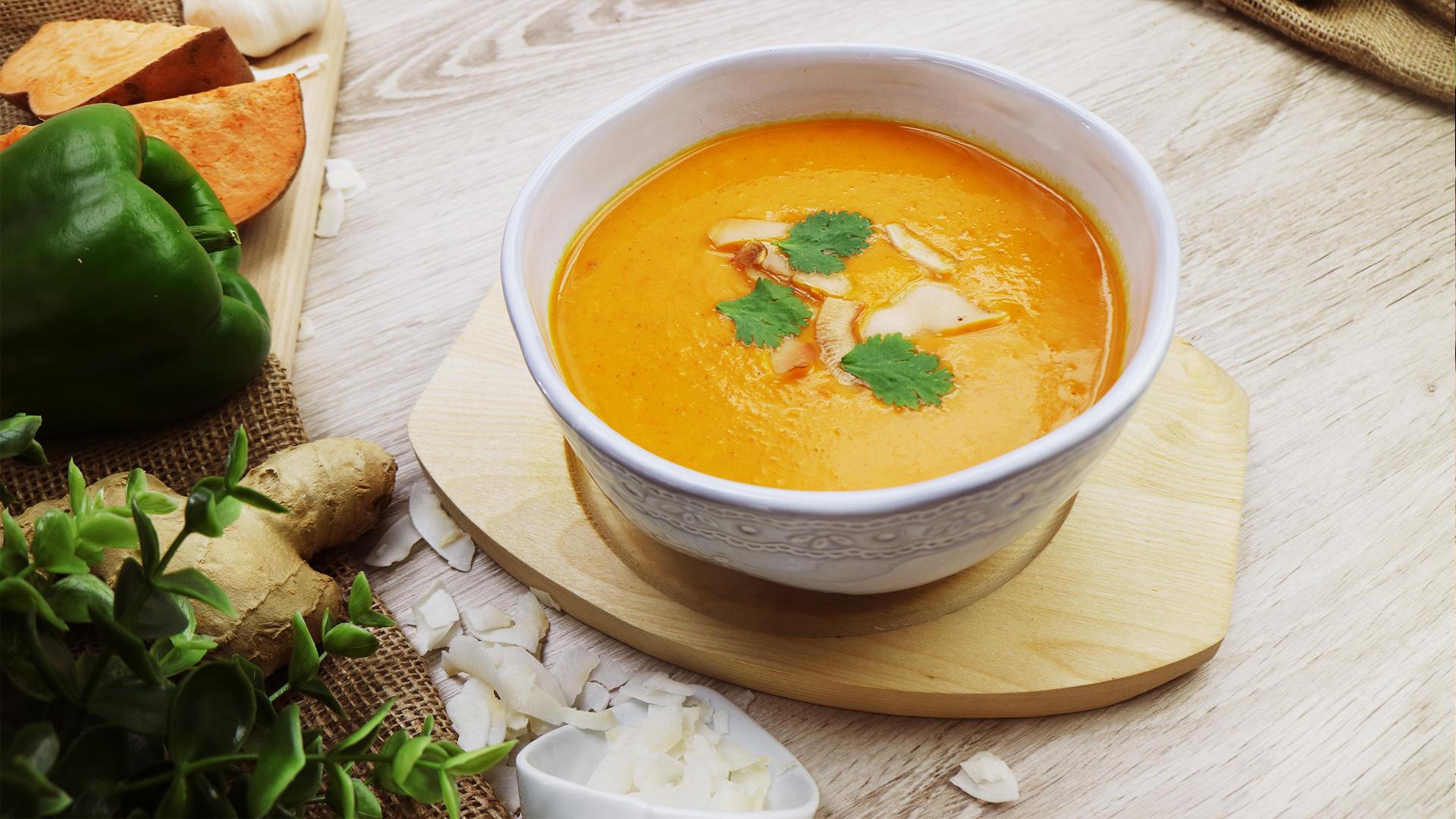 Wärmende Süßkartoffel-Kokos-Suppe mit Curry