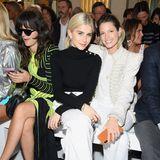 Eleonora Carisi, Caroline Daur und Helena Bordon lassen dich die Balmain-Show ebenfalls nicht entgehen.