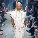 Auch Natasha Poly hilft Isabel Marant die Mode der Achtziger Jahre wiederzubeleben.