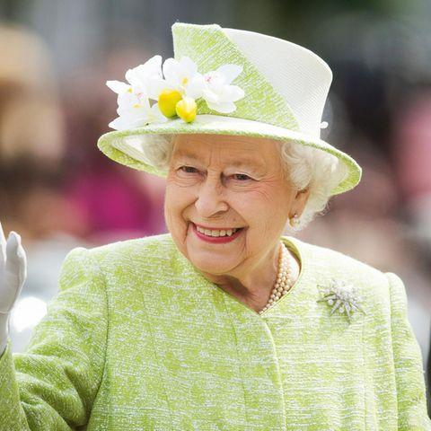 Queen Elizabeth hat in ihrer Amtszeit schon tausende Male gewunken