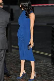 """Babybauch oder nicht? Die Bilder von Meghan im blauen """"Jason Wu""""-Kleid gingen um die Welt."""