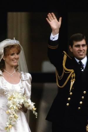 1986 heirateten Sarah Ferguson und Prinz Andrew, 1992 trennten sie sich, 1996 ließen sie sich scheiden.
