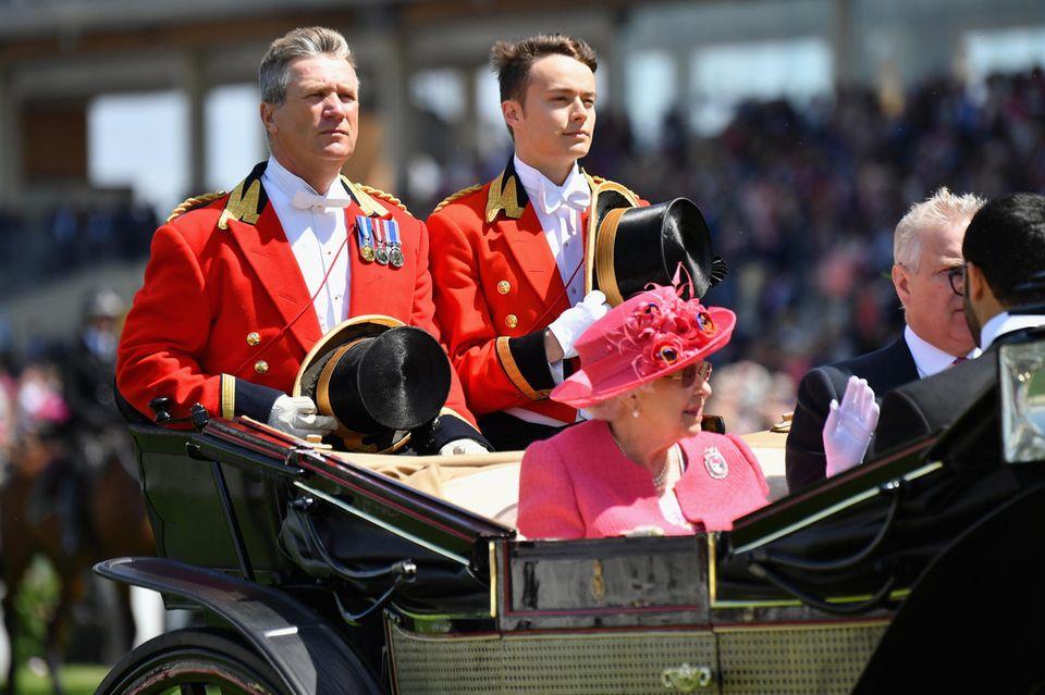 Queen Elizabeth, Ollie Roberts