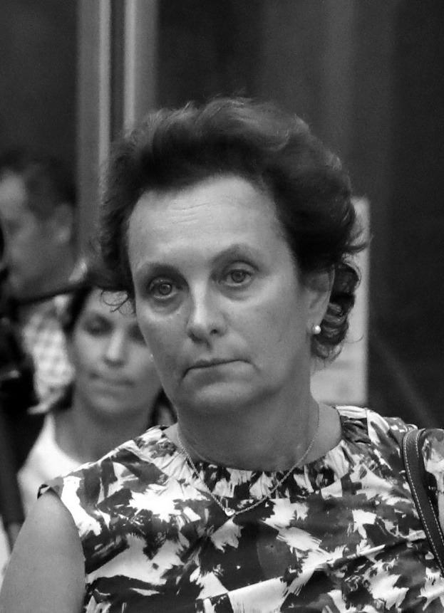 Gebannt verfolgen die Monegassen derzeit einen spektakulären Mordprozess: Hélène Pastor, eine der reichsten Frauen des Fürstentums, wurde vor vier Jahren im Mai 2014erschossen; Hauptangeklagter ist der Lebensgefährte ihrer Tochter Sylvia Ratkowski. Pikant: Der Verdächtige war als polnischer Honorarkonsul in Monaco und damit nah an Albert.